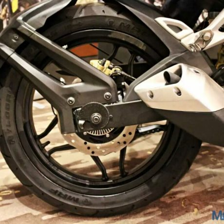 Bajaj-Pulsar-RS200-Launch-Exhaust-and-Rear-Disc