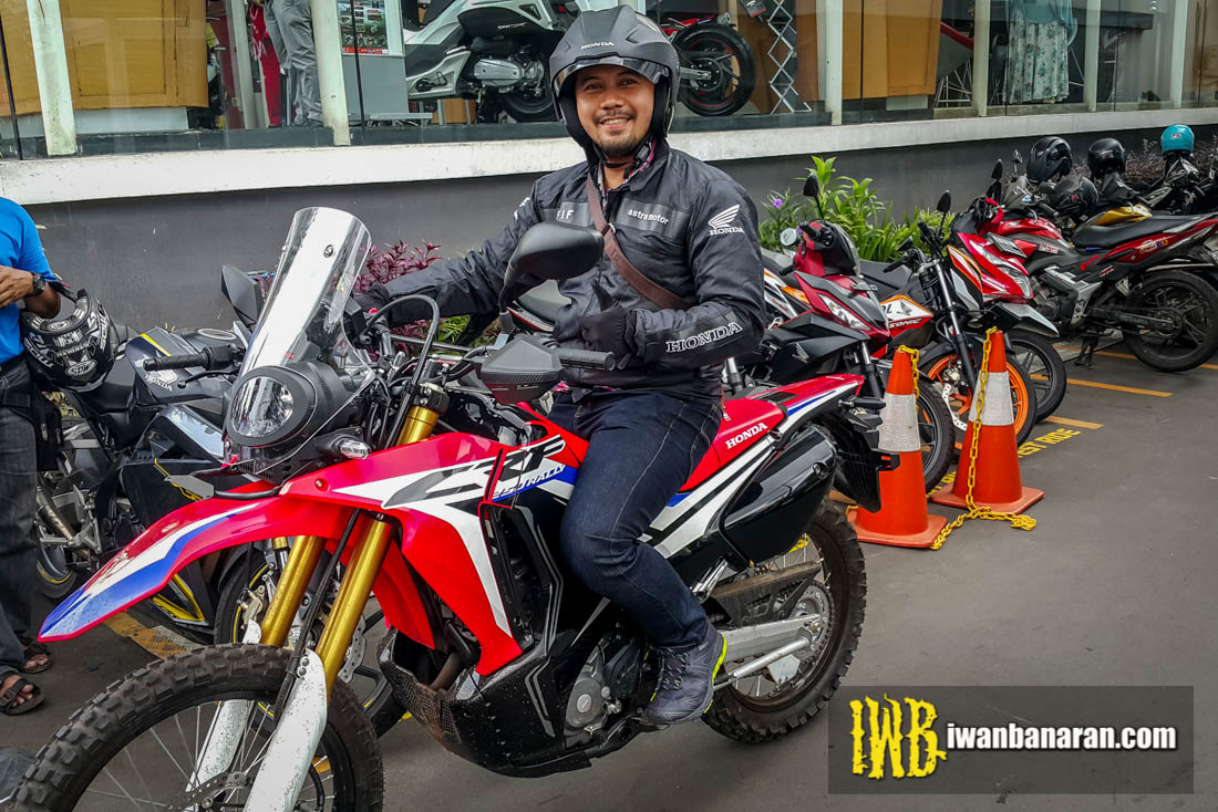 test ride singkat honda new crf250 rally ediann njaran. Black Bedroom Furniture Sets. Home Design Ideas