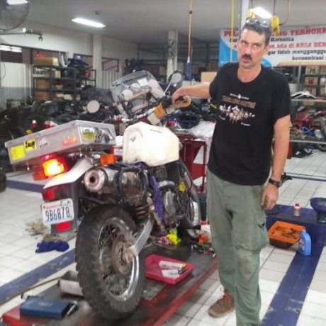 mike & Shannon DR650 (1)