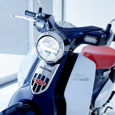 honda-super-cub-125-review-specs-motorcycle-scooter-c125-abs-automatic-bike-vintage-retro-moped-2