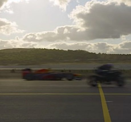 kawasaki-h2rbeats-f-16-fighter-jet-and-tesla-model-s-in-airport-drag-race_8
