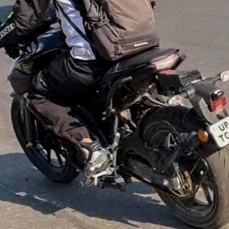 yamaha-mt15-spied-india-launch-price-spied-2