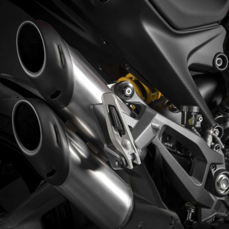 2021-Ducati-Monster-Plus-12-scaled