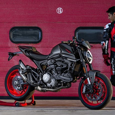2021-Ducati-Monster-Plus-44-scaled