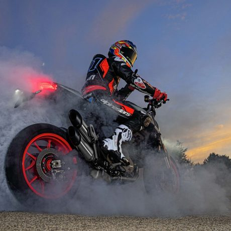 2021-Ducati-Monster-Plus-46-scaled