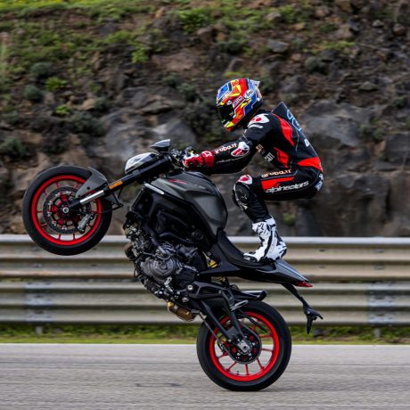 2021-Ducati-Monster-Plus-68-scaled