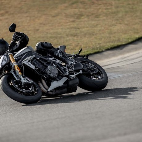 2021-Triumph-Speed-Triple-1200-RS-10-scaled