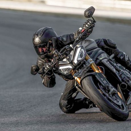 2021-Triumph-Speed-Triple-1200-RS-22-scaled