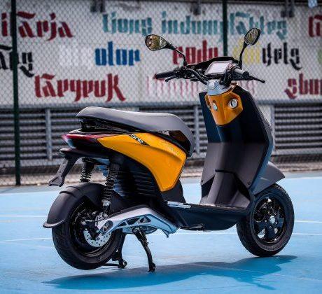 2021-Piaggio-One-Electric-Scooter-Beijing-Motor-Show-2-630×420