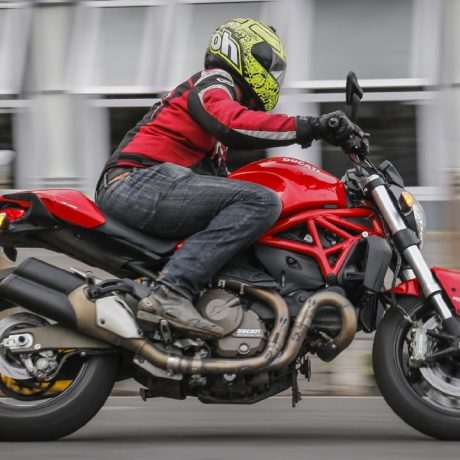 ducati-monster-821-2017-right-side-view1