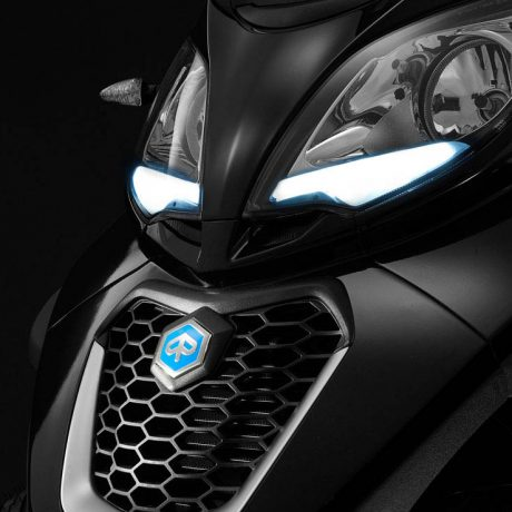 phare-scooter-3-roues-piaggio-mp3-400-hpe_hd